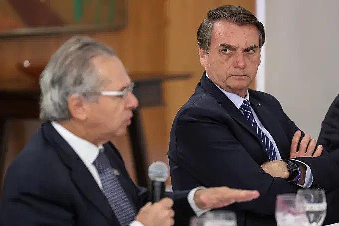 Após rejeição geral, Bolsonaro revoga decreto que abria caminho para privatizar SUS