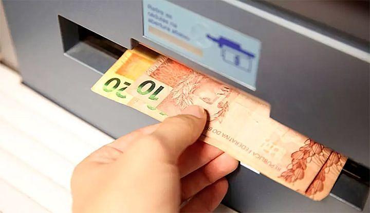 Penúltimo ciclo de pagamentos do auxílio emergencial começou neste domingo (22)