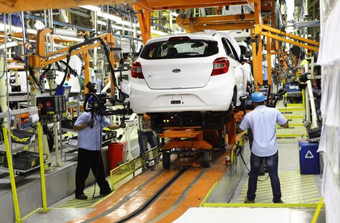 Brasil perde R$ 3 bi em arrecadação e 119 mil empregos com fim da Ford, diz Dieese